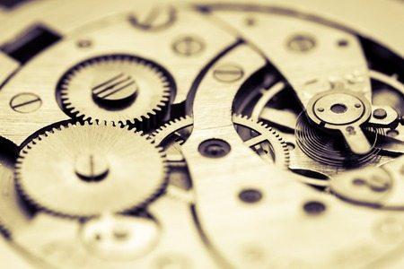 Das Uhrwerk ist das Herzstück einer Uhr.