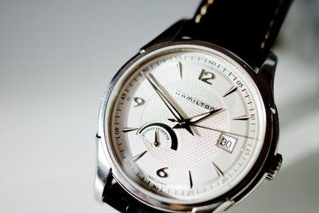 Hamilton Uhren sind bei Experten beliebt weil sie ein gutes Preis-Leistungs-Verhältnis haben.
